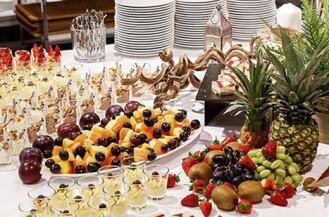 2_4_catering_services_teaser